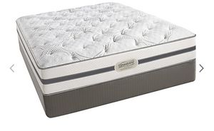 Beautyrest King Bed, Box Springs, Bed Frame, Two sets of King sheets for Sale in Scottsdale, AZ