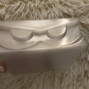 50 clear lash trays for Sale in Buena Park, CA