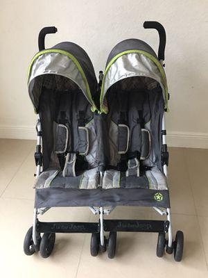 Jeeep umbrella double stroller for Sale in Miami, FL