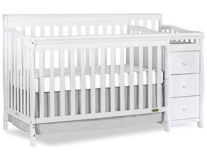 Dream on me Crib - Converts to Toddler Bed w/changing table for Sale in Santa Ana, CA