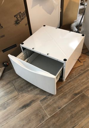 2 Washer and dryer stands for Sale in Chagrin Falls, OH