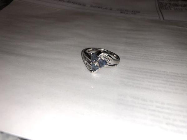 White Gold and tanzanite, diamond ring
