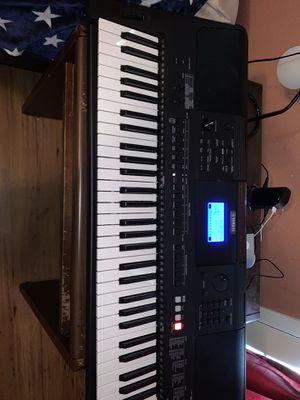 Yamaha keyboard PSR E453 for Sale in Porter, TX