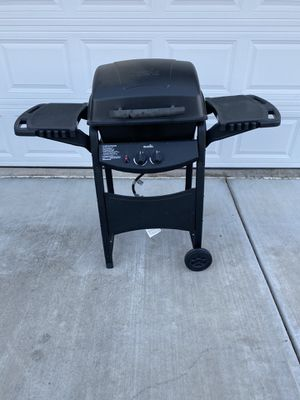 Propane BBQ {needs ignitor switch} for Sale in Tracy, CA