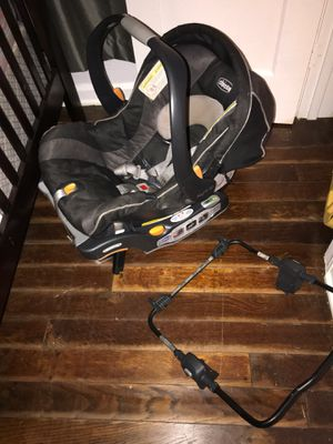Chicco Keyfit 30 car seat and base w uppababy attachment for Sale in Jacksonville, FL
