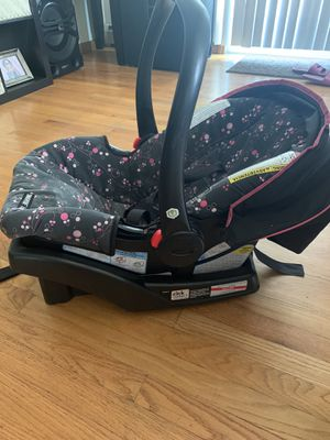 Girl Baby Car Seat with base for Sale in West Haven, CT