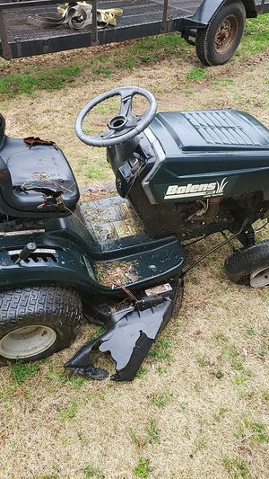 Riding lawn mower for parts for Sale in Snellville, GA