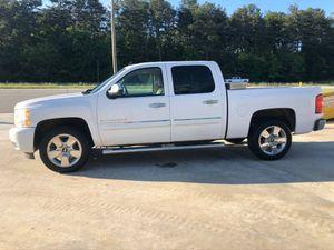 2011 Chevy Silverado 2226000 miles for Sale in Atlanta, GA