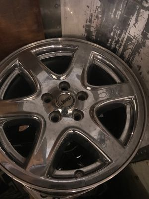 "Jeep Liberty wheel 9045 chrome 17"" for Sale in Farmingdale, NY"