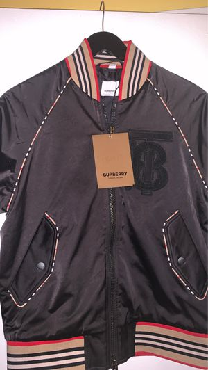 BURBERRY JACKET SIZE SMALL (Men's) for Sale in Queens, NY