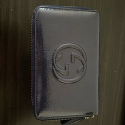 Vernice Naplack Navy Blue Gucci Wallet with original box, tags, and dust bag for Sale in Fremont,  CA