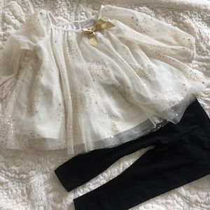 6533bcbfb5e3 Heirlooms Polly Flinders Creme Top and black leggings size 6-9m for Sale  for sale