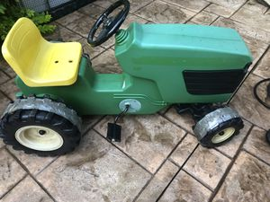 John Deere pedal ride on tractor for Sale in Stow, OH