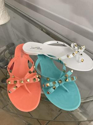 New jelly flat sandals new in box for Sale in Miami, FL