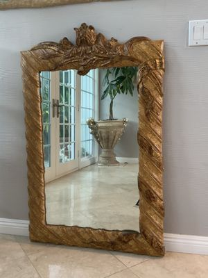 """Vintage 50""""x35"""" Absolutely gorgeous and unique mirror. Wood frame and well made, must see for Sale in Laguna Niguel, CA"""