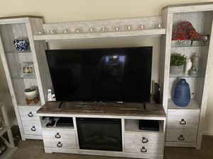 Tv unit with fireplace for Sale in Yonkers, NY