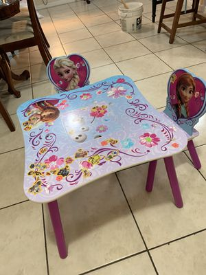 Frozen table with small pocket for Sale in Homestead, FL