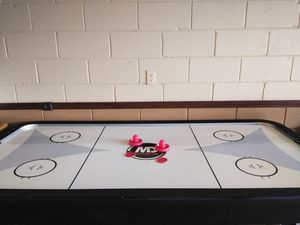 Air Hockey Table for Sale in Kissimmee, FL