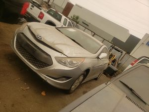 2011 hyundai sonata PARTS ONLY for Sale in Los Angeles, CA
