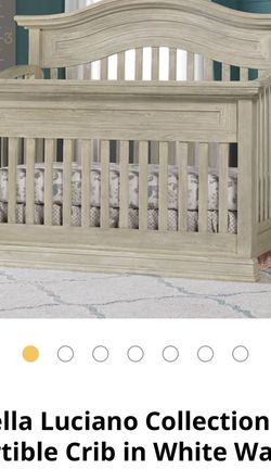 White Wash Convertible Crib BRAND NEW IN BOX for Sale in Miami Gardens,  FL