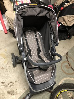 Chicco Bravo stroller (bonus The Mommy Hook) for Sale in Tacoma, WA