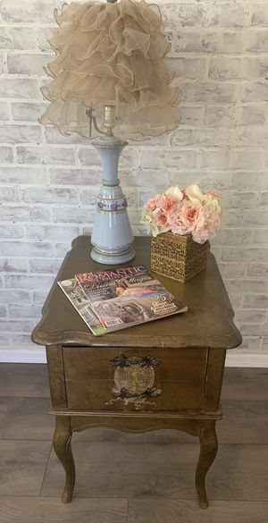 Antique Shabby Chic Nightstand/End table for Sale in Queen Creek, AZ