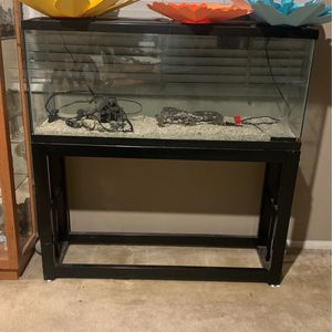 55 Gallon Fish Tank w/accessories for Sale in Menifee, CA