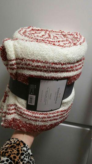 "Soft & Cozy- Threshold 50""x60"" blanket throw, brand new $10 for Sale in Everett, WA"