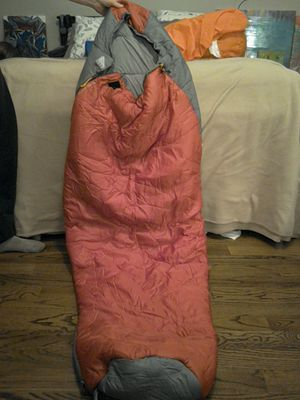 Kelty Light Year 3D +25 F degree / 4 C Women's sleeping bag, like new! for Sale in Nashville, TN