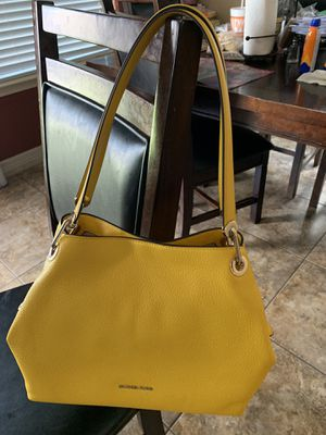 Purse Michael Kors for Sale in Manor, TX