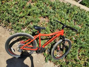 Genesis mountain bike for Sale in RCHO SANTA FE, CA