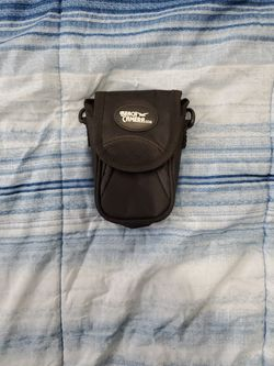 Black camera case, also comes with the carrying straps! for Sale in Ypsilanti,  MI