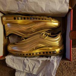 Nike Airmax 97 Gold. Size 9.5 for Sale in Trenton,  MI