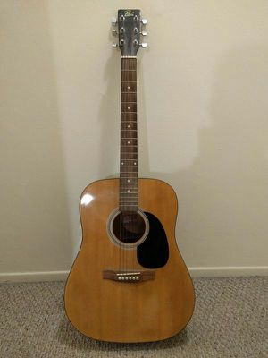 Acoustic guitar for Sale in Boston, MA