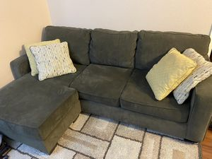 Sectional couch / sofa with reversible chaise for Sale in San Diego, CA