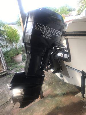 Bote buenas condiciones nabega bien motor recién reparado 22.5 pies for Sale in Miami, FL