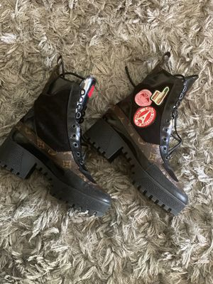 Louis Vuitton boots size 37.5 1000 or best offer for Sale in Philadelphia, PA