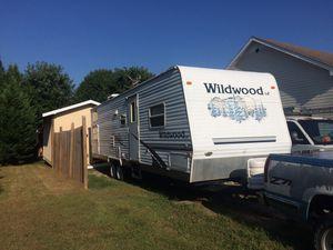 2006 wildwood camper sleeps 8-10 for Sale in Springfield, TN