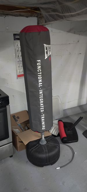 Speedy punching bag for Sale in Haddon Heights, NJ