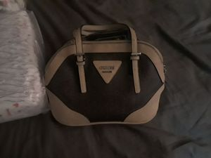 Guess purse for Sale in Irwindale, CA