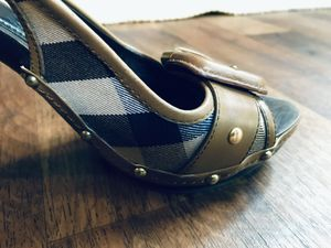 Burberry Novacheck Wooden Heels - EU 39 / US 9 for Sale in Coronado, CA