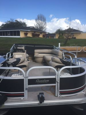2013 boat. BB-18. Bass Buggy-18. 2012 Mercury 4 stroke 60hp motor. No trailer. for Sale in Kissimmee, FL