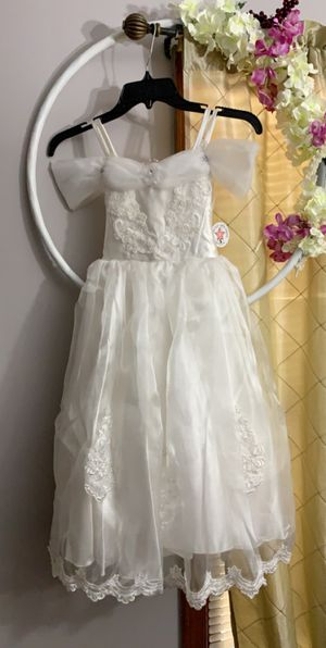 Girls size 5 Flower girl/Communion dress $35-NEW for Sale in Douglasville, GA