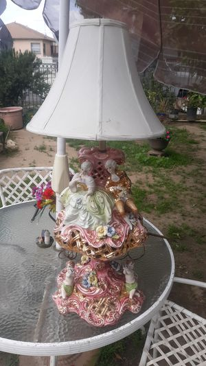 Vintage made in italy porcelain lamp *rare for Sale in Los Angeles, CA