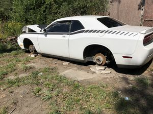 Parting out 2010 Dodge Challenger for Sale in Detroit, MI
