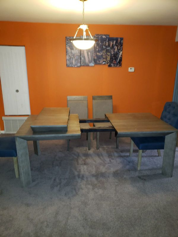 Moving Sale! Adjustable Dining table with 6 chairs