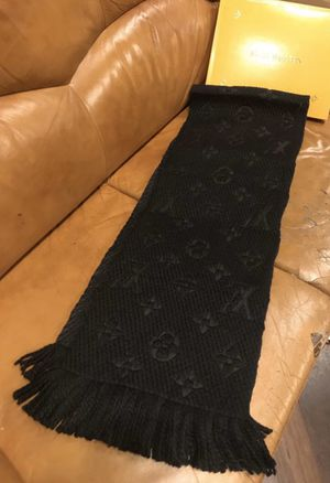 Louis Vuitton Scarf (Black/Unisex) for Sale in Dallas, TX