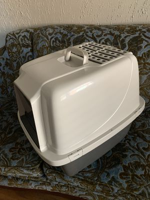 Large Enclosed Kitty Litter Box for Sale in Portland, OR