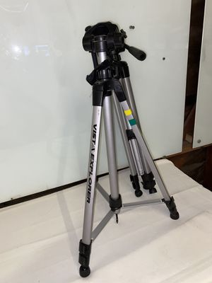 Vista Explorer Tripod (Davis & Stanford) for Sale in Culver City, CA