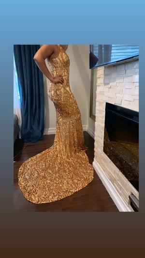 Gold SEQUIN GOWN for Sale in Queens, NY